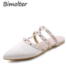 купить Bimolter Brand Women Rivet T-strap Flat Mules Slipper Woman Pointed Sandal Shoes Flat Suede Slides Slip On Loafers Mules FB022 по цене 2348.8 рублей
