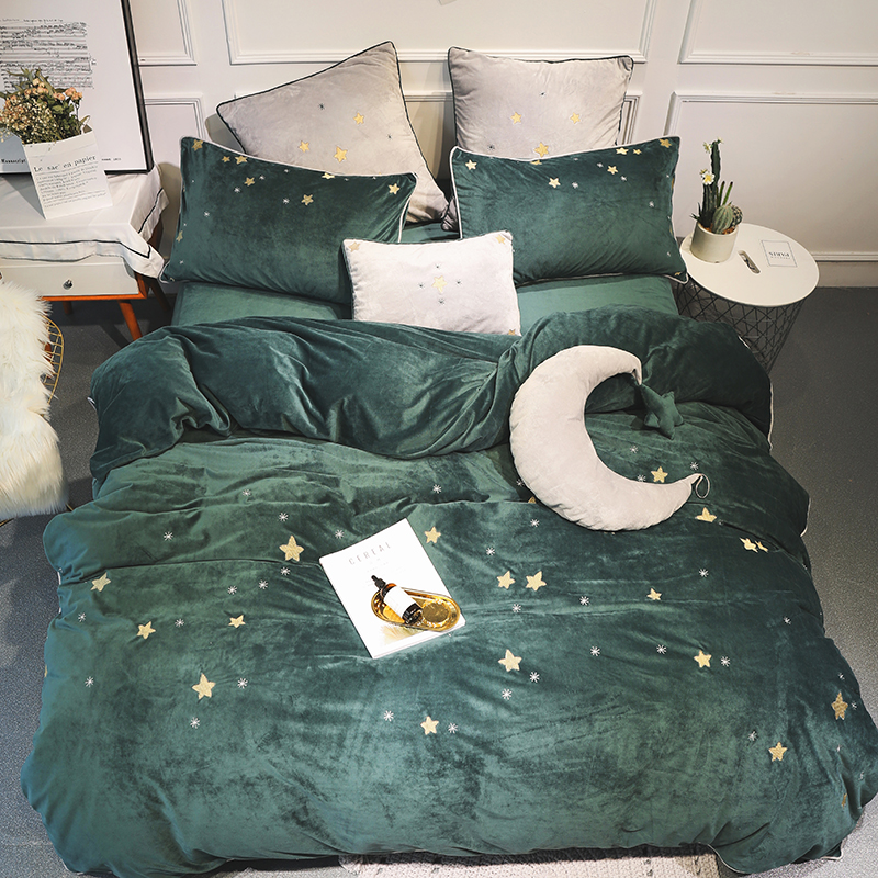 Throws and Cushion Covers Set New Luxury Embroidery Duvet Bedding Set Pillow
