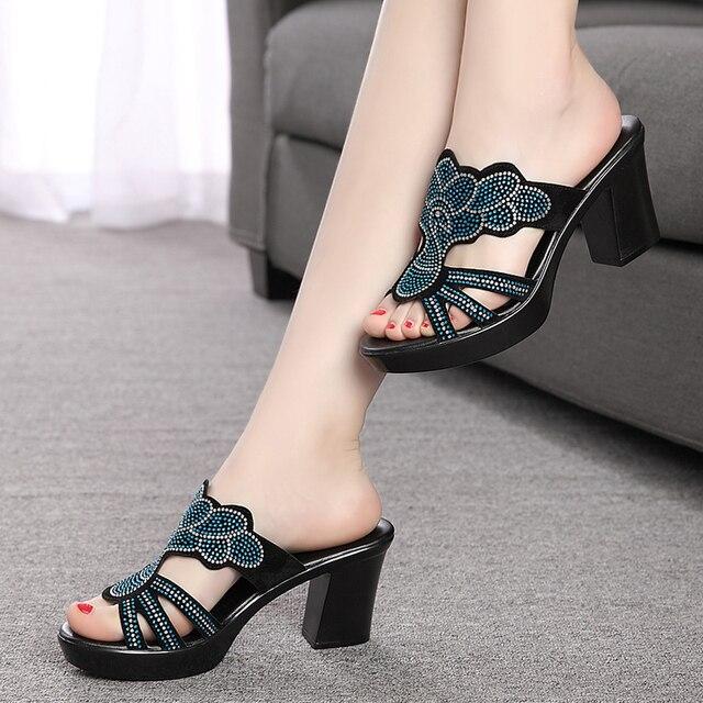 1354af27d لطيفة الصيف النساء أزياء عالية الكعب الصنادل قطيع سطح الإناث النعال حجر  الراين النساء أحذية زائد
