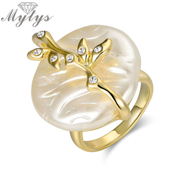 Mytys Artificial Freshwater Pearl Ring Gold Color GP Plant Design Rings for Wome