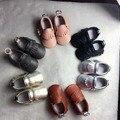 50 пар/лот Новый Неподдельной Кожи Младенца Мокасины Обувь solid брелок дизайн Детская Обувь Новорожденные первые ходунки Детские Ботинки