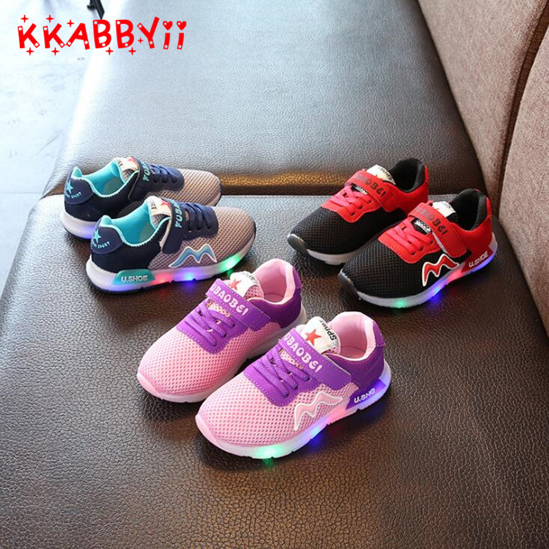 Kkabbyii Новый 3 цвета Дети плоские Обувь Спортивная обувь модные спортивные светодиодные светящиеся освещенные Обувь для детей Обувь для мальчиков Повседневное Обувь для девочек Обувь