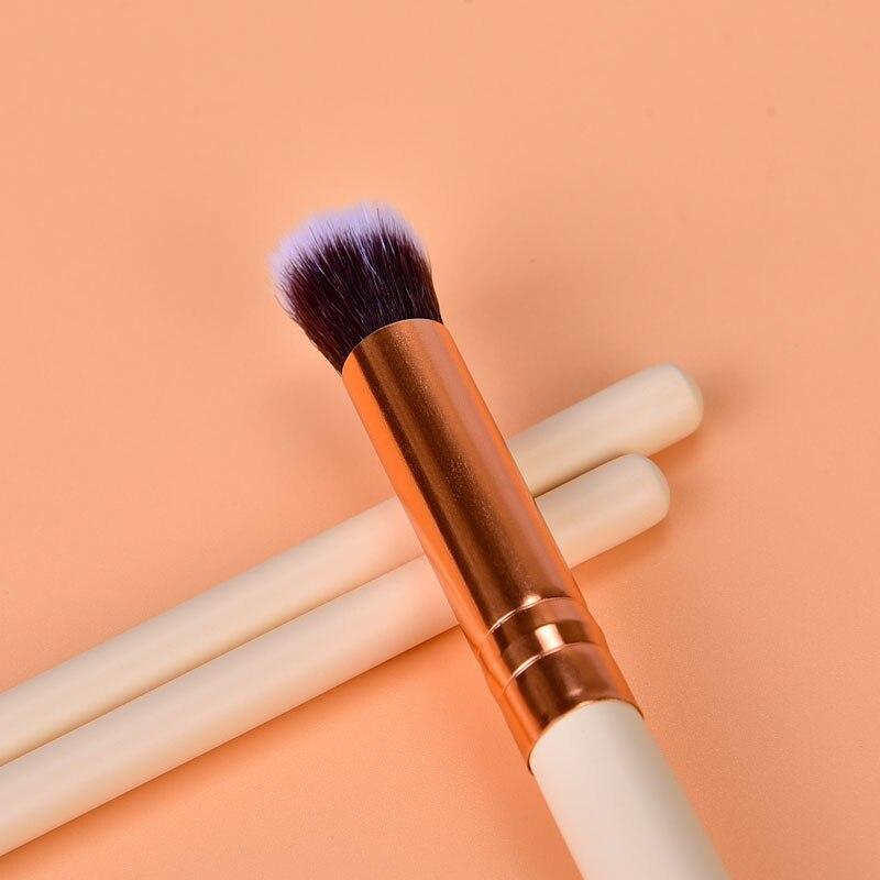 Image 4 - 12Pcs Professional Eyeshadow Brush Set Wood Handle Eyeshadow Eyeliner Blending Brush Face Cosmetic Tools Make Up maquillaje-in Eye Shadow Applicator from Beauty & Health