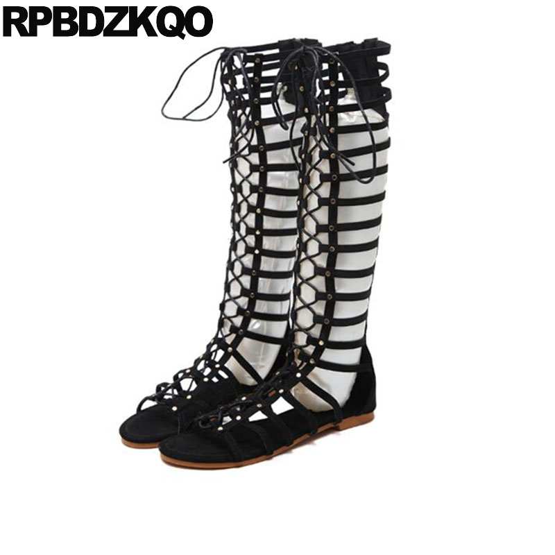 все цены на Open Toe Flat Women Summer Gladiator 2018 Knee High Sandals Strappy Roman Boots Strap Up Brown Lace Black Tie Shoes Plus Size