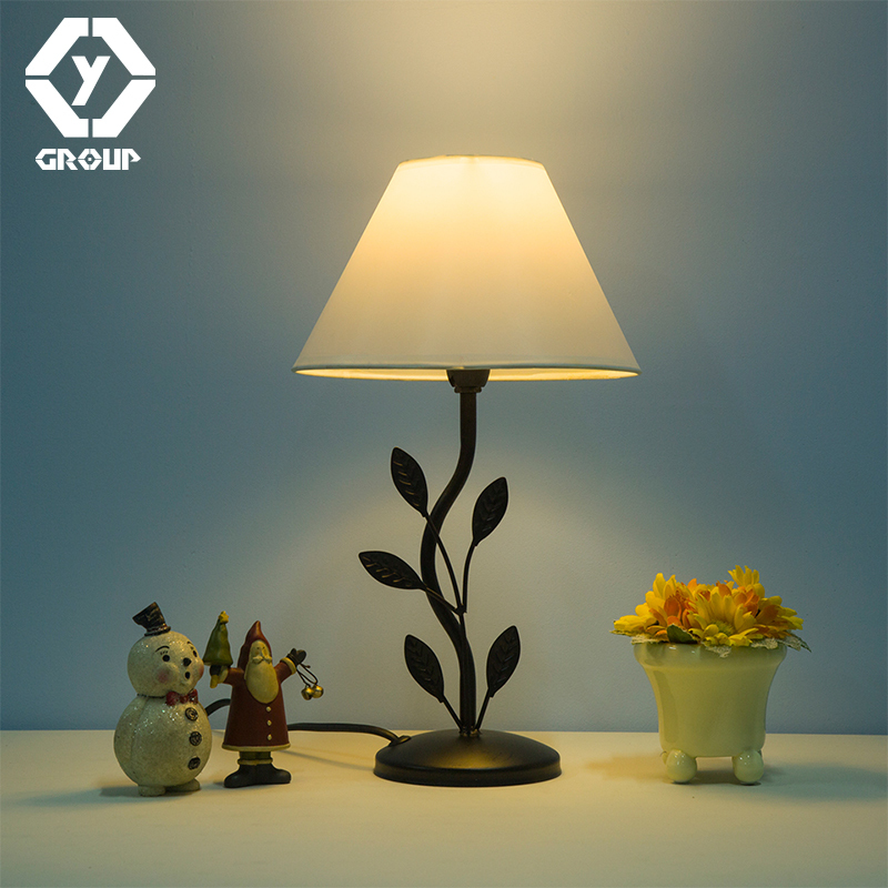 OYGROUP Table Lamp Iron Modern Night Decoration Desk Lamp Romantic Reading Lamp Office Light For Home