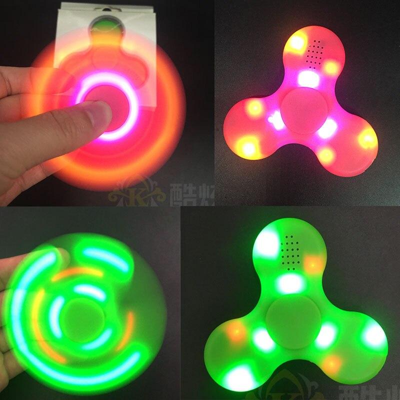 LeadTry Tech Store Hand Spinner Bluetooth Speaker Built in Fingertip gyroscope Speakers  LED Light Tri-Spinner Fidget Anti Stress Speaker