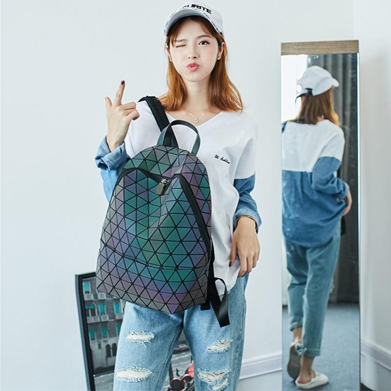 Fashion Geometry Backpacks Female 2018 New Laser Holographic Backpacks Women Geometric Diamond Bags Fashion Luminous Backpacks