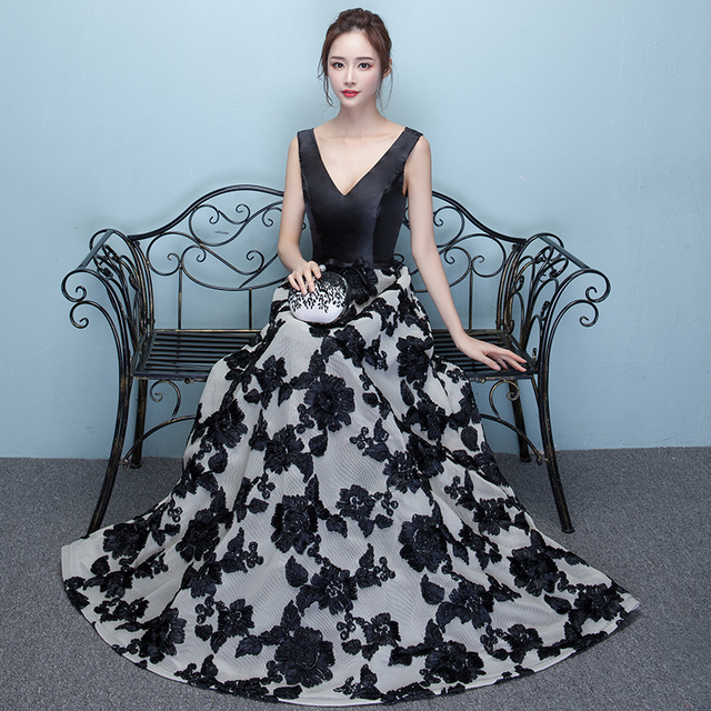 0309a97e467dc2 Vintage V Neck Floral Printed Sleeveless Black A-line Evening Dresses Long  Robe De Soiree Formal Party Prom Gowns Vestidos