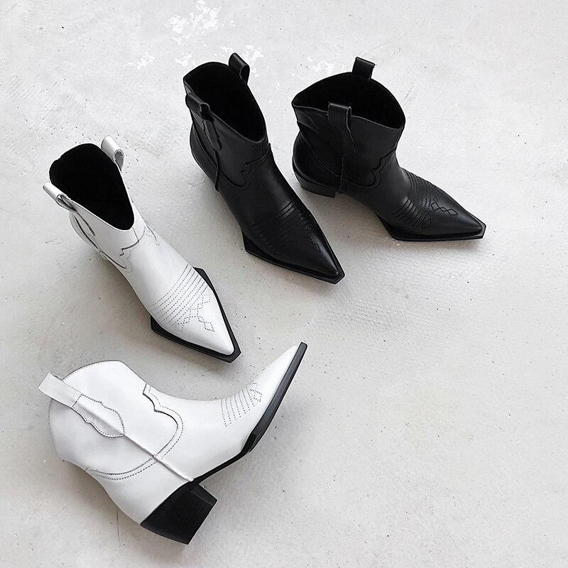 ISNOM الغربية حذاء من الجلد رعاة البقر النساء الجوارب الأزياء وأشار حذاء مزود بفتحة للأصابع الإناث سميكة الكعوب الكوبية أحذية من الجلد السيدات الخريف-في أحذية الكاحل من أحذية على  مجموعة 3