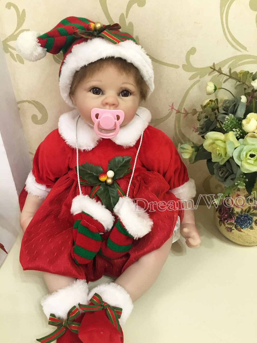 Silicone Reborn Baby Doll Toys With Winter Christmas Clothes Kids Child Birthday New Year Gifts Lifelike Reborn Girls DollsSilicone Reborn Baby Doll Toys With Winter Christmas Clothes Kids Child Birthday New Year Gifts Lifelike Reborn Girls Dolls