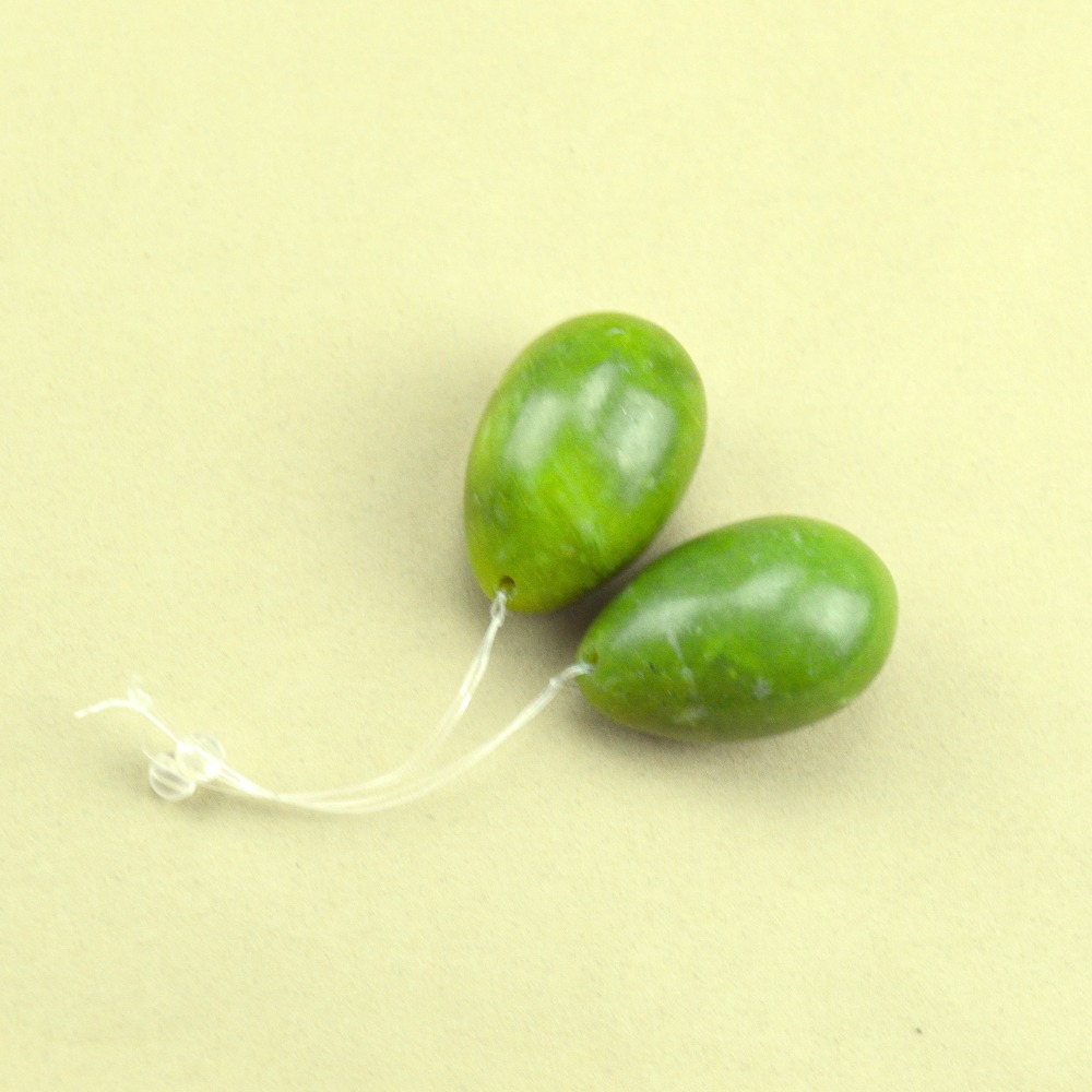 2 Pcs 40*30mm natural light green jade egg for kegel exercise pelvic floor muscles vaginal exercise yoni egg ben wa ball