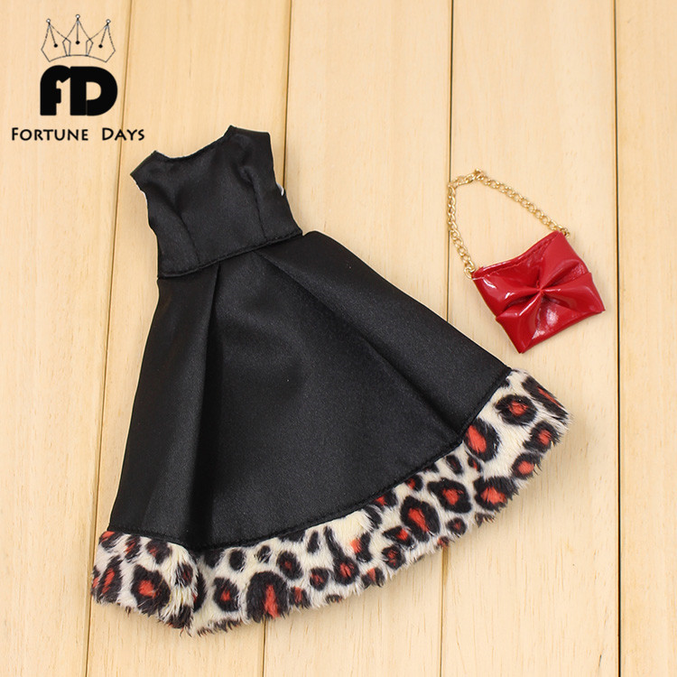Free shipping Blyth Doll for 16 doll black dress with red bag