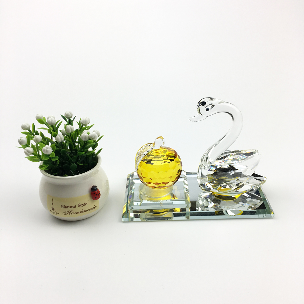 Image 2 - Creative home car ornaments car decoration perfume seat swan apple perfume decorations Crystal material best gift for people-in Ornaments from Automobiles & Motorcycles