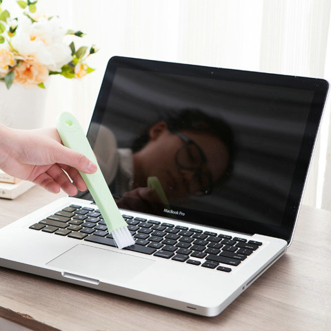 Dropshipping Ultra-thin laptop Cleaning Brush For Laptops Notebooks Window Kitchen Islamabad