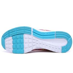 Image 5 - Mulher correndo sapatos de ginásio 2020 tênis esporte respirável chaussures femme cesta rendas até zapatillas mujer calzado luz