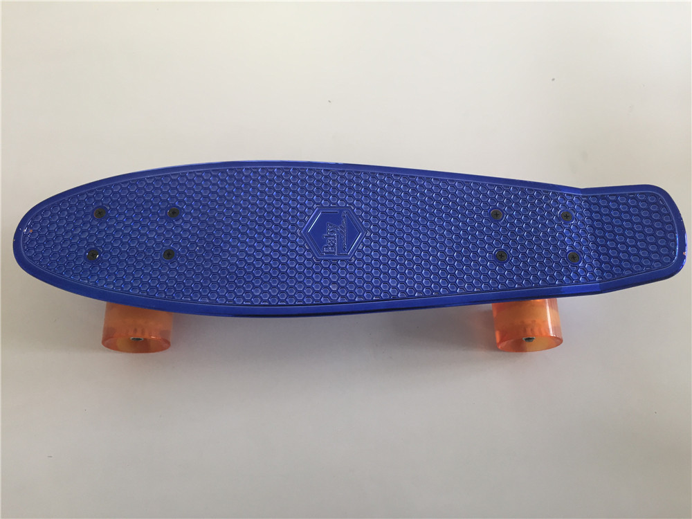 Child Small Skateboard Shine Blue Plastic Mini Cruiser Board Light 22 Fish Skateboard with Transparent Orange Wheels учимся писать цифры стихи и прописи