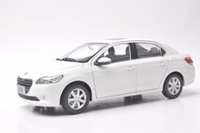 1:18 Diecast Modelo para Peugeot 301 Sedan Branco Liga Carro de Brinquedo Em Miniatura Presente Coleção