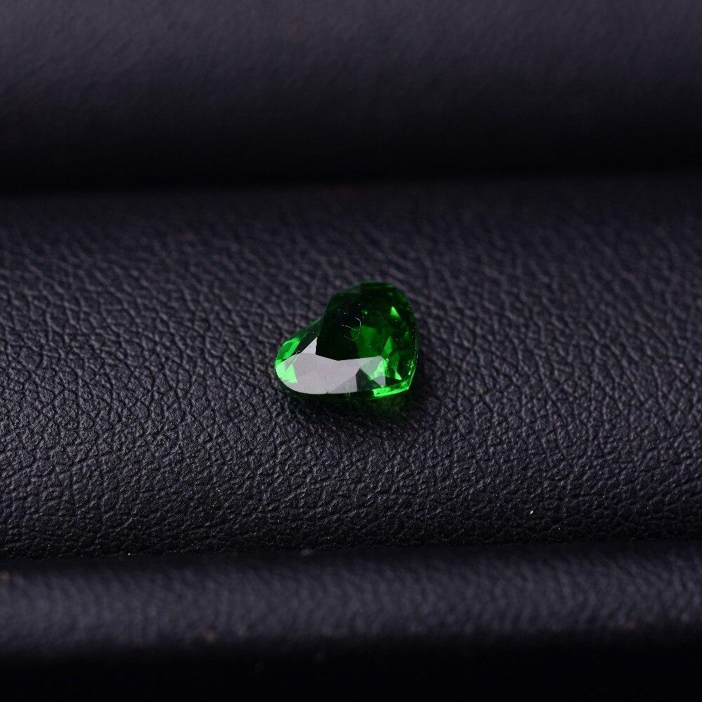 1,1 Ct Granat Natürliche Oberfläche Perfekte Scintillation. Spezifikation: 6,1mm * 7,3mm * 3,0mm
