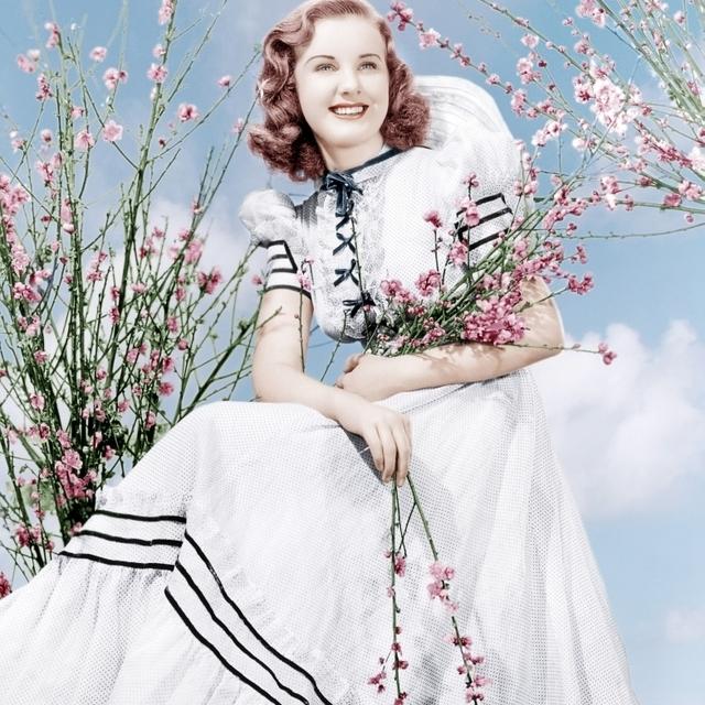 Deanna Durbin Ca. 1939 Photo Print (16 x 20)