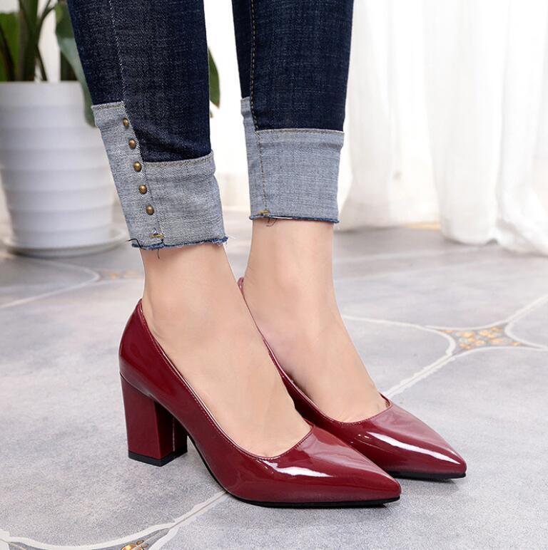 frauen mit high heels
