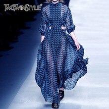 TWOTWINSTYLE 여름 프린트 드레스 여성을위한 스탠드 칼라 긴 소매 높은 허리 중공 미디 드레스 여성 패션 2020 새로운