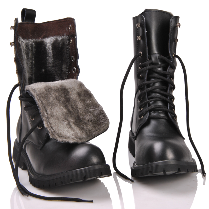 2019 Retro Combat Boots Winter British Genuine Leather Military Boots Punk Rivet Charm Lace Up Men Warm Plush Motorcycles Boots