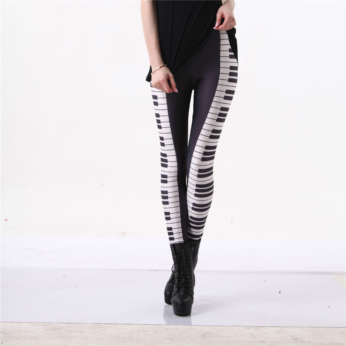 Piano Leggings Sort Hvid Stripe Sexet Leg Hot 3D Grafisk Trykt Musik Keys Fitness Leggings Bukser Gymwear Funky Capris S-4XL