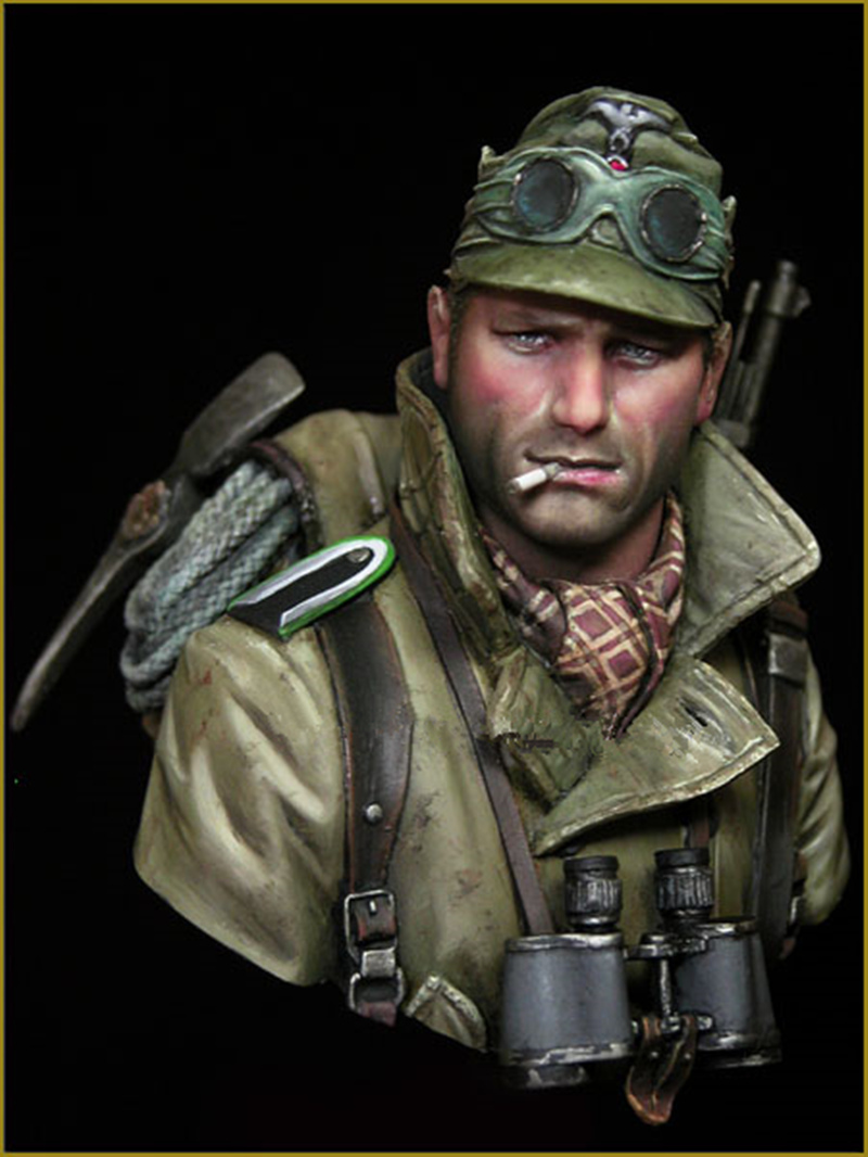 1/10 Resin bust model kit WW2 soldier military GEBIRGSJAGER unpainted and unassembled X54/XX1071/10 Resin bust model kit WW2 soldier military GEBIRGSJAGER unpainted and unassembled X54/XX107