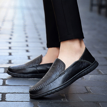цена на New High Quality Breathable Leather Men Shoes Soft Moccasins Loafers Fashion Brand Men Flats Comfy Driving Shoes  5