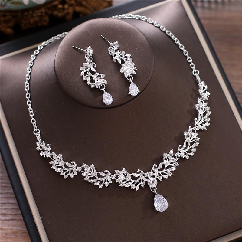 Alexzendra Wedding Jewelry Flowers Shape Silver Crystal Unique Bridal Necklace Luxury Crystal Rhinestones Jewelry for Women