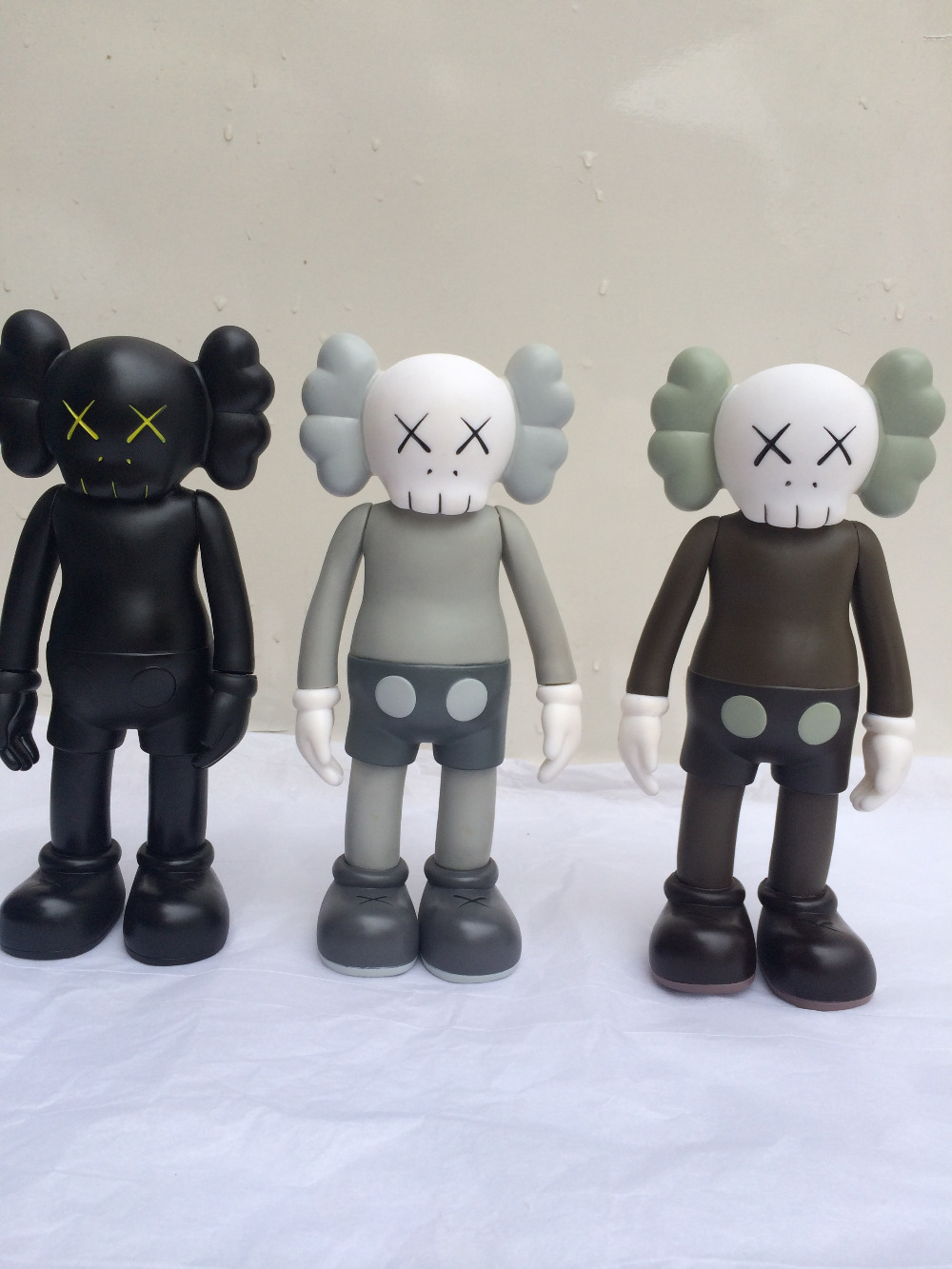 Kaws planet doll 8 inches dolls hand-done decoration christmas gift original fake bf0011