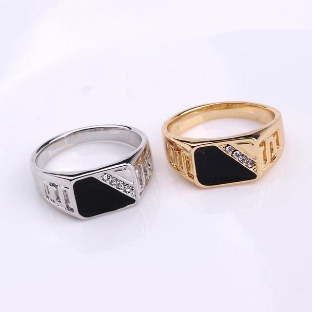 טבעת איכותית לגבר עם אבני קריסטל 2