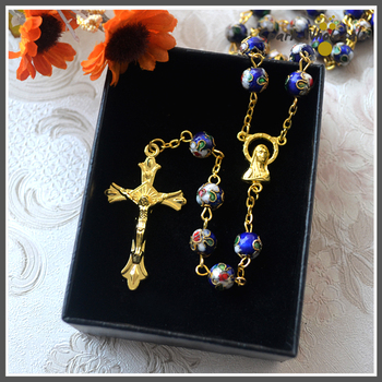 df0d6864d6a5 ¡Caja de regalo! Navidad religiosa oro azul oscuro Cloisonne cuentas Rosario  Cruz católico colgante Virgen María Centro Rosario collar