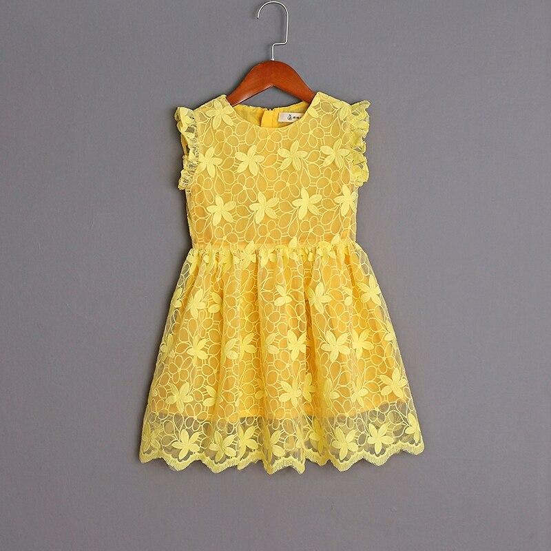 все цены на mother daughter dress family look clothing children embroidery organza yellow sleeveless pleated dress kids girls summer dresses