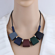 Fashion Women Necklace Statement Necklaces & Pendants Geometric Colorful Wood Beads Choker Necklace for Women Party Jewelry Gift 1pcs fashion rainbow color cute beads geometric necklace pendent for women gift party decoration