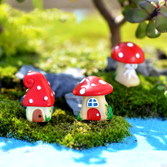 INKANEAR Micro Fairy Garden Figurines Resin Mini Red Mushroom House  Miniatures/Terrarium Decor DIY Ornaments