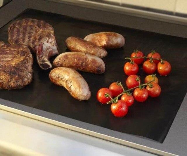 Tapis de grille de barbecue réutilisable   2 pièces, téflon antiadhésif tapis de cuisson en feuille, tapis de cuisson pour plaque de barbecue, accessoires de cuisson en plein air de BBQ de 40*33CM