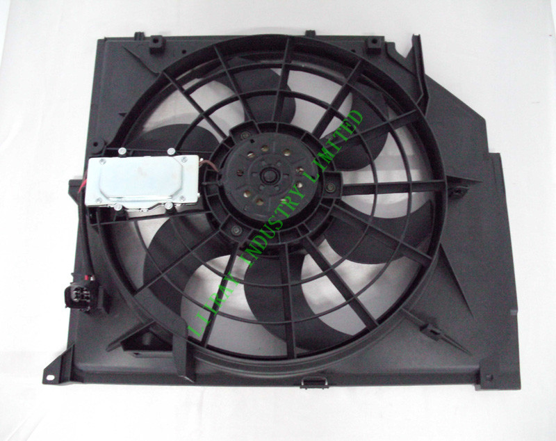 Auto Radiator Cooling Fan Assembly for BMW E46 99-06 325i 328i 330i OE: 17117561757 (Brushless Motor)