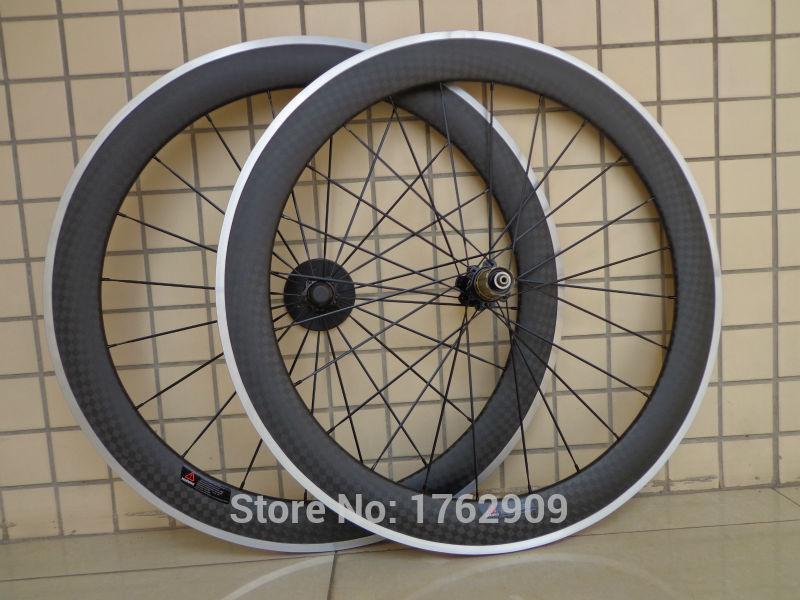 1 paire Nouvelle 700C 60mm pneu jante Route vélo mat 12 K carbone fiber vélo roues avec freins en alliage surface aero parlé bateau Libre