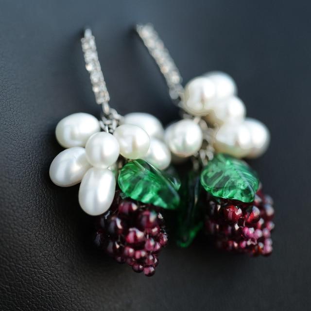 Настоящее серьги болтаться белый plaed с натуральным камнем винограда серьги падения букле d'oreille pendante