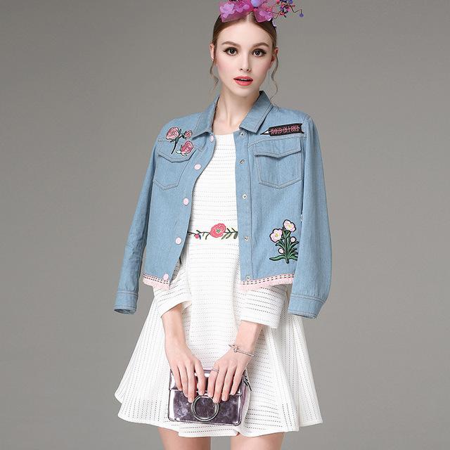 2016 otoño pequeño bordado camisa de mezclilla de las mujeres prendas de vestir exteriores ocasional de moda recta abrigo de mujer Dulce Bordado chaqueta de la capa corta