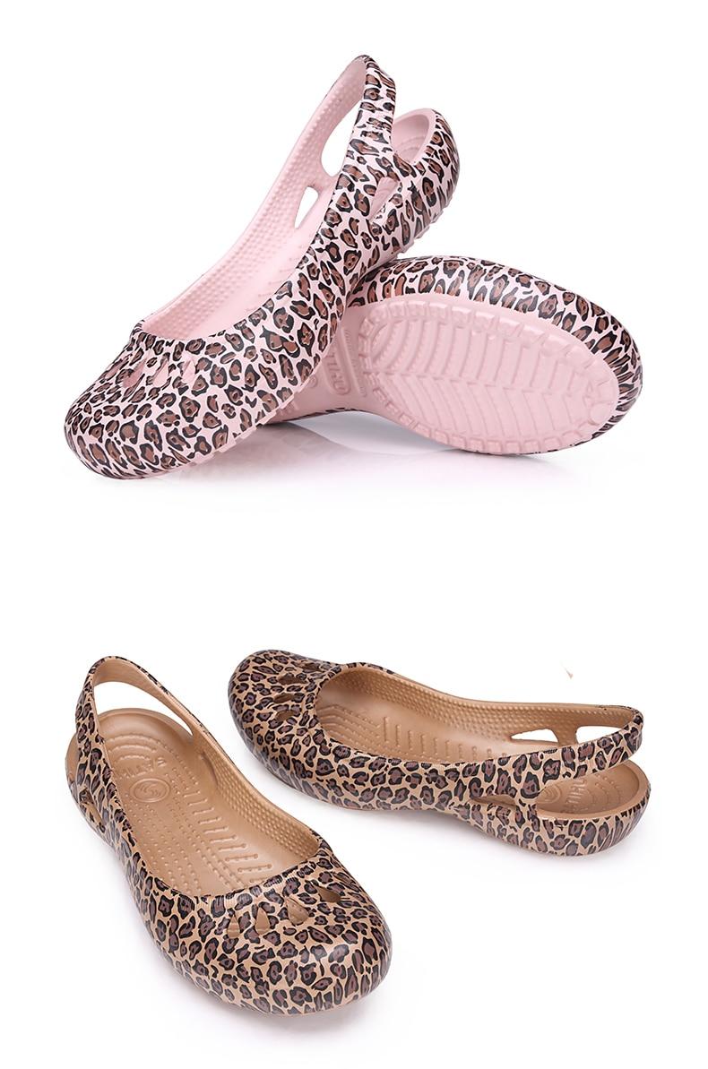 HTB1.b UajDuK1Rjy1zjq6zraFXal women Clogs Jelly Sandals Home Non-slip Summer Hole Shoes Female Flat slippers Plastic Female Girls Waterproof EVA Garden Shoes