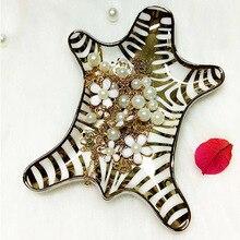 Handgemalte Gold Tiger Haut Keramikplatte Dekorative Zebra Teller Kleine Schmuck Rack Ringe Armbänder Ohrringe Trays Halter