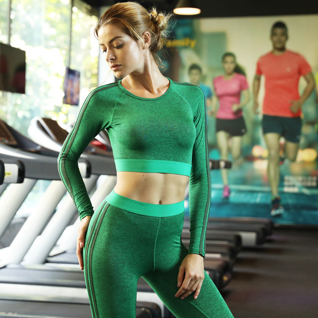 Women's Long Sleeved Shirt and Pants Set for Yoga