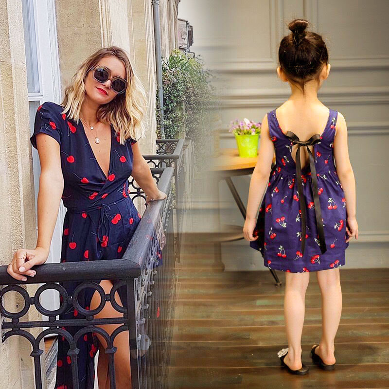 Summer Mom And Daughter Dress Matching Family Outfits Navy Blue Sleeveless Cherry Print Dress Mother Daughter Dresses V-neck