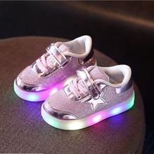 Новые Дети Световой Shoes Мальчики Девочки Спортивные Кроссовки Shoes Baby Flashing Lights Мода Кроссовки Малыш Малыш СВЕТ Кроссовки