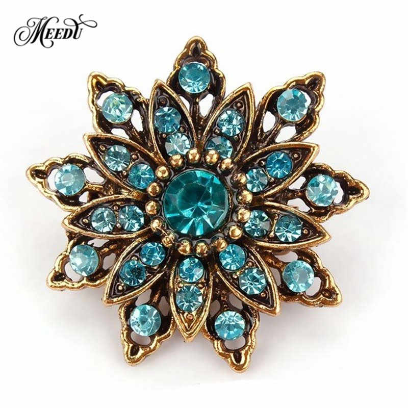 Vintage Gold Flower Brooches for Women Wedding Bridesmaid Rhinestone Bouquet Brooch Pin Dress Clothing Accessories