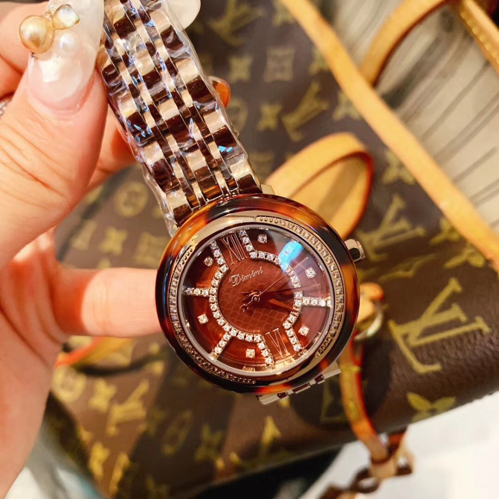 Sexy Leopard Women Watches High Quality Sunglass Grade Plastic Frame Crystals Watch Personalized Square Face Montre Quartz 3BarSexy Leopard Women Watches High Quality Sunglass Grade Plastic Frame Crystals Watch Personalized Square Face Montre Quartz 3Bar