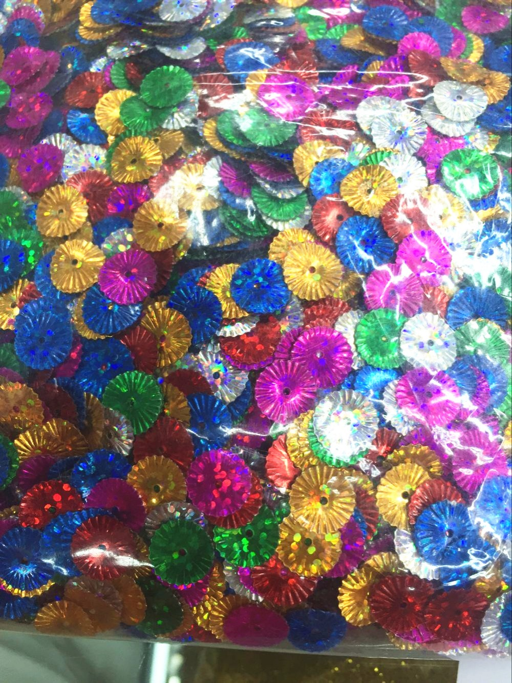30g/lot Flower Sequins 9mm PVC Sequin Decoration Sewing DIY Mix Colors Multicolor Hologram Laser Colors Wrinkled Flower Sun image