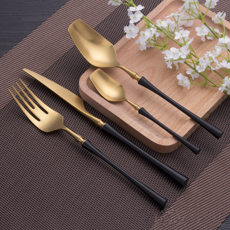 24pcs/set New Knight Gold Black Stainless Steel Cutlery Set Flatware Set Dinner Knives Fork Spoon Set Dinnerware Tableware